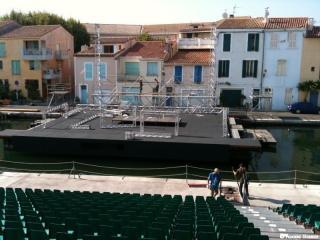 Festival de Martigues Edition 2010 - Montage de la scène sur le canal